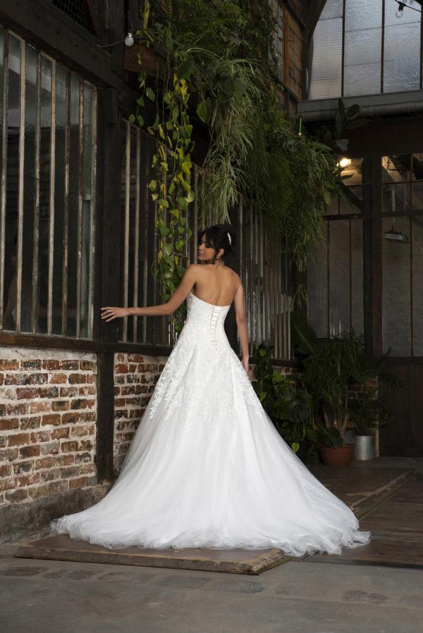 PALMINA, Robe de mariée vue de dos